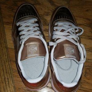091bbe9bd58 Reebok Shoes - NWOB Reebok Classics Rose Gold Metallic kids 7